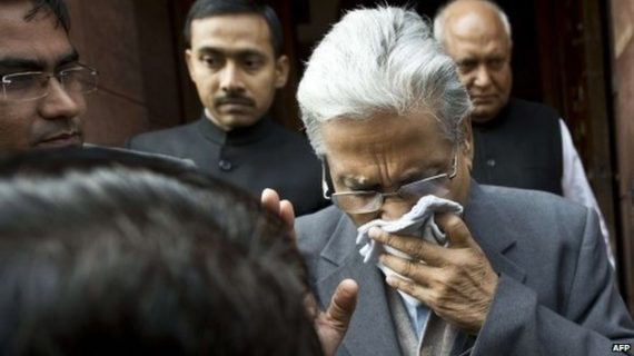 pepper spray fight in Indian Parliament