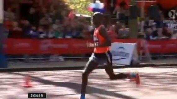 Wilson Kipsang Wins London Marathon 2014 (Video)