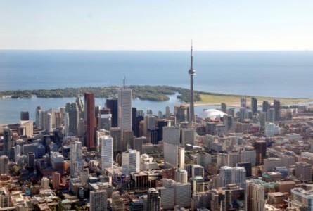 Yahoo Canada News/Wikimedia Commons - Toronto skyline