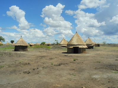 The new village of Bildak in Ethiopia's Gambella region, which the semi-nomadic Nuer who were forcibly transferred there quickly abandoned in May 2011 because there was no water source for their cattle. © 2011 Human Rights Watch
