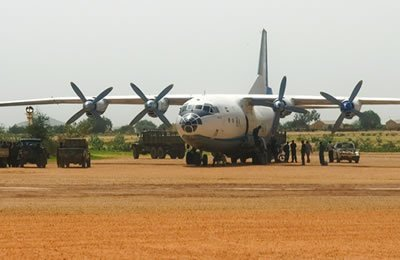 A Sudanese Antonov at El Geneina airport. A military aircraft similar to this is suspected of carrying out attacks on South Sudan's northern border states recently (photo Amnesty-file)
