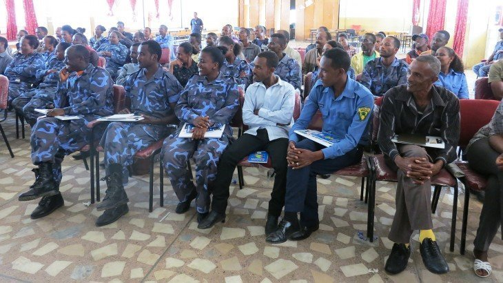Addis Ababa. Participants from the Ethiopian federal police listen to an explanation of the principles of proportionality in using force. CC BY-NC-ND/ICRC/Mamush Asfaw