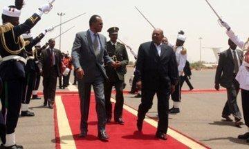 FILE - Sudan's President Omer Hassan al-Bashir (R) receiving Eritrea's President Isaias Afewerki (L) in Sudan's capital Khartoum (Xinhua)