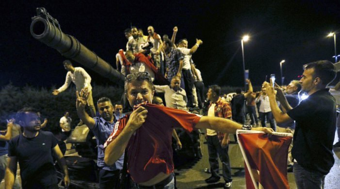 Updated : Military Coup in Turkey foiled  ; Turkish Parliament Building bombed from Air