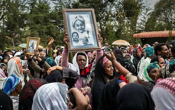 Ethiopia - Garbage Dump landslide Victims - funeral