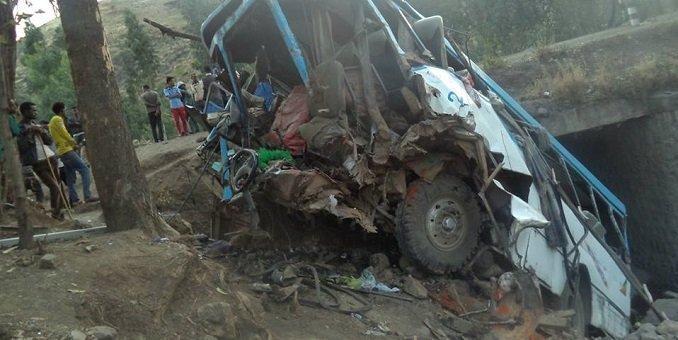 Bus accident _ Wollo _Legambo